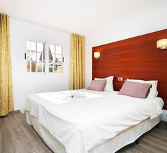 Club Torso Hotel 2