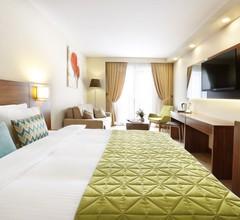 The White Orient Hotel 1