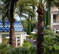 Monte-Carlo Bay Hotel & Resort 1