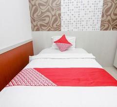 OYO 861 R Four Hotel 2