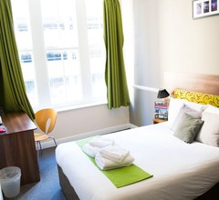 Surtees Hotel 1