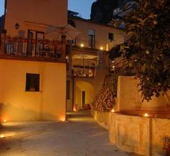 Amalfi Resort 2