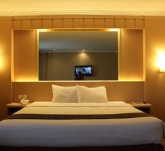 Le Polonia Hotel & Convention Medan 2