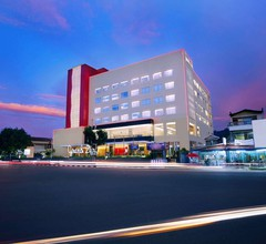 Grand Zuri Hotel Padang 1