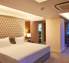 DoubleTree by Hilton Izmir - Alsancak 1
