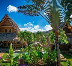 Chalet Tropical Village B&B 1