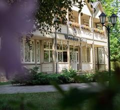 Aparthotel Wooden Villa 1