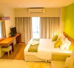 Crystal Jade Hotel 1