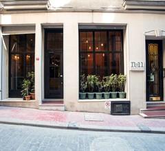 No11 Hotel & Apartments 2