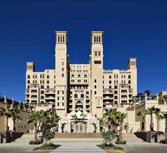 Sheraton Sharjah Beach Resort & Spa 2