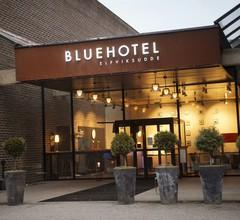 Blue Hotel 2