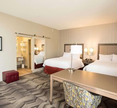Hampton Inn & Suites by Hilton Thunder Bay 2