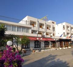 Hotel Apeneste 1
