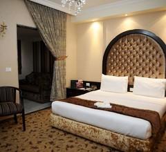 Queens Suite Hotel 2
