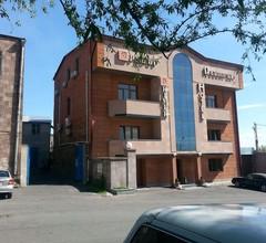 Primer Hotel 1