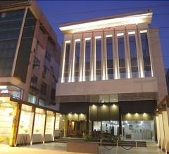 Mahalakshmi Palace Hotel 1