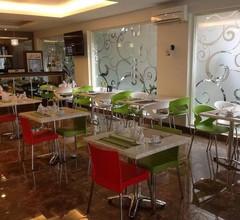 Hotel Pacific Makassar 1