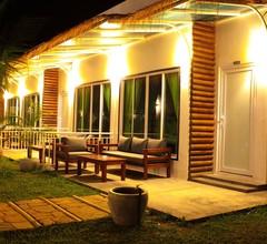 Twin Palms Resort 1