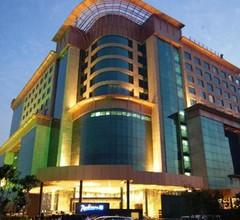 Radisson Blu Kaushambi Delhi NCR 1