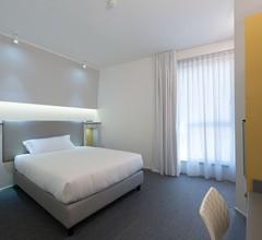 Hotel Executive Inn 1