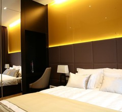 Maccani Luxury Suites 2