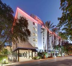 Hampton Inn Miami-Coconut Grove/Coral Gables 2
