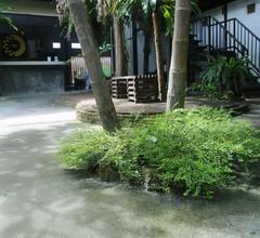 OYO 585 Freedom Hostel @ Phi Phi 1