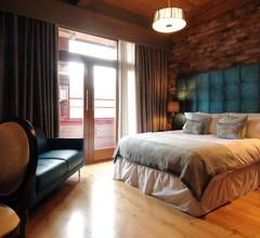 Velvet Hotel 2