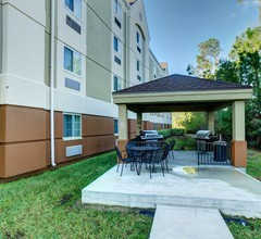 Candlewood Suites Ft Myers I-75 2