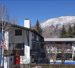 St. Moritz Lodge & Condominiums 1