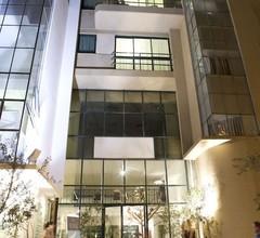 Diaghilev Loft Live Art Hotel 1