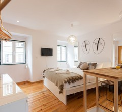 Moniz Studio Apartment - by LU Holidays 1