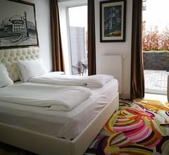 A Hotels 2