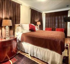1818 Meridian House Hotel 2
