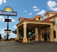 Days Inn By Wyndham San Antonio Northwest/Seaworld 2