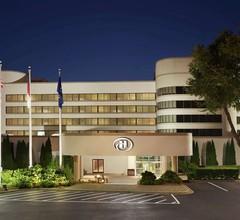 Hilton Charlotte Executive Park 1