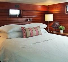 Dockside Boat & Bed Long Beach 2