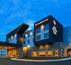 Best Western Plus St. John's Airport Hotel and Suites 1