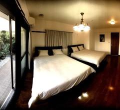 AZUKI HOUSE 1