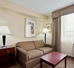Holiday Inn and Suites Winnipeg Downtown 1