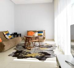 Frishman-Gordon Beach 2BR Apartment 2