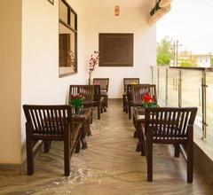Hotel Taj Niwas 2