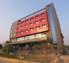 OYO 10192 Hotel Vista Residency 1