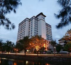 Amora Hotel Tapae Chiang Mai 1