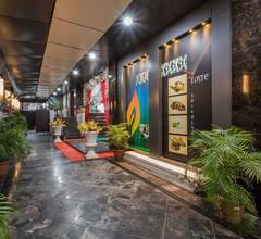 OYO 3892 Hotel Divya Palace 1