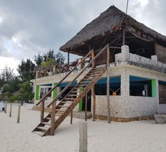 Beach Baby Lodge 2