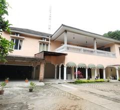 RedDoorz near Kebun Raya Bogor 1