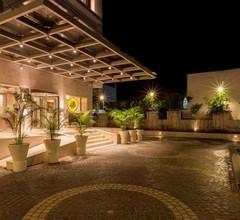 Lemon Tree Hotel Lucknow 1