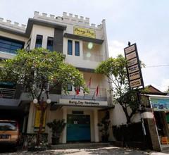 RedDoorz Plus near Universitas Indonesia 2