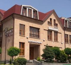 Yerevan Deluxe Hotel 1